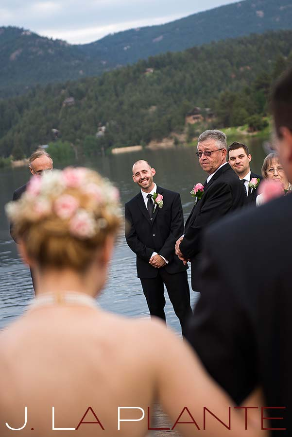 Groom watching bride walk down aisle | Evergreen Lakehouse wedding | Evergreen wedding photographer | J La Plante Photo