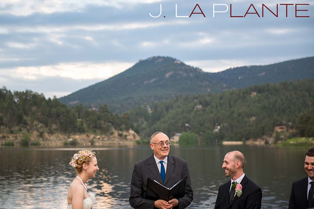 Wedding ceremony | Evergreen Lakehouse wedding | Evergreen wedding photographer | J La Plante Photo