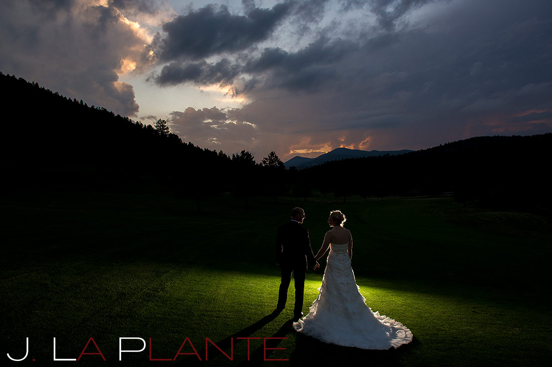Bride and groom at sunset | Evergreen Lakehouse wedding | Evergreen wedding photographer | J La Plante Photo