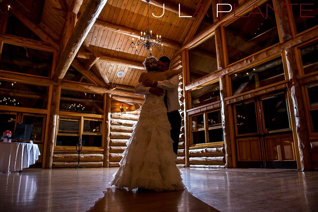 First dance | Evergreen Lakehouse wedding | Evergreen wedding photographer | J La Plante Photo
