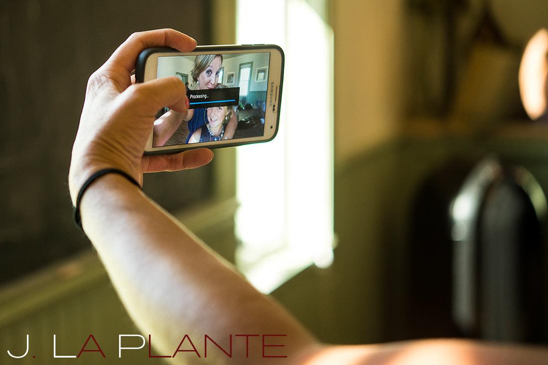 J. La Plante Photo | Denver Wedding Photography | Chatfield Botanic Gardens wedding | Bridesmaid selfie
