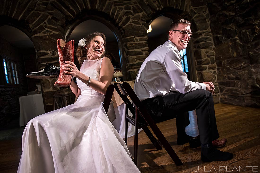 The wedding shoe game | Chief Hosa Lodge wedding | J. La Plante Photo | Denver Wedding Photographers