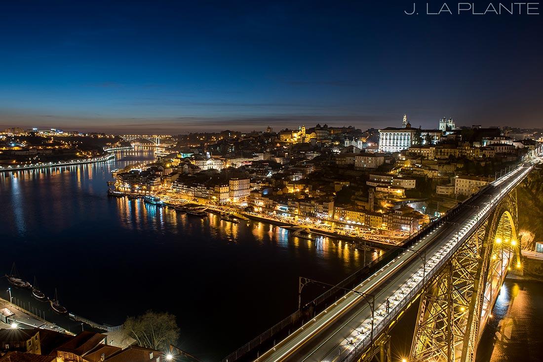 skyline photo of porto at night