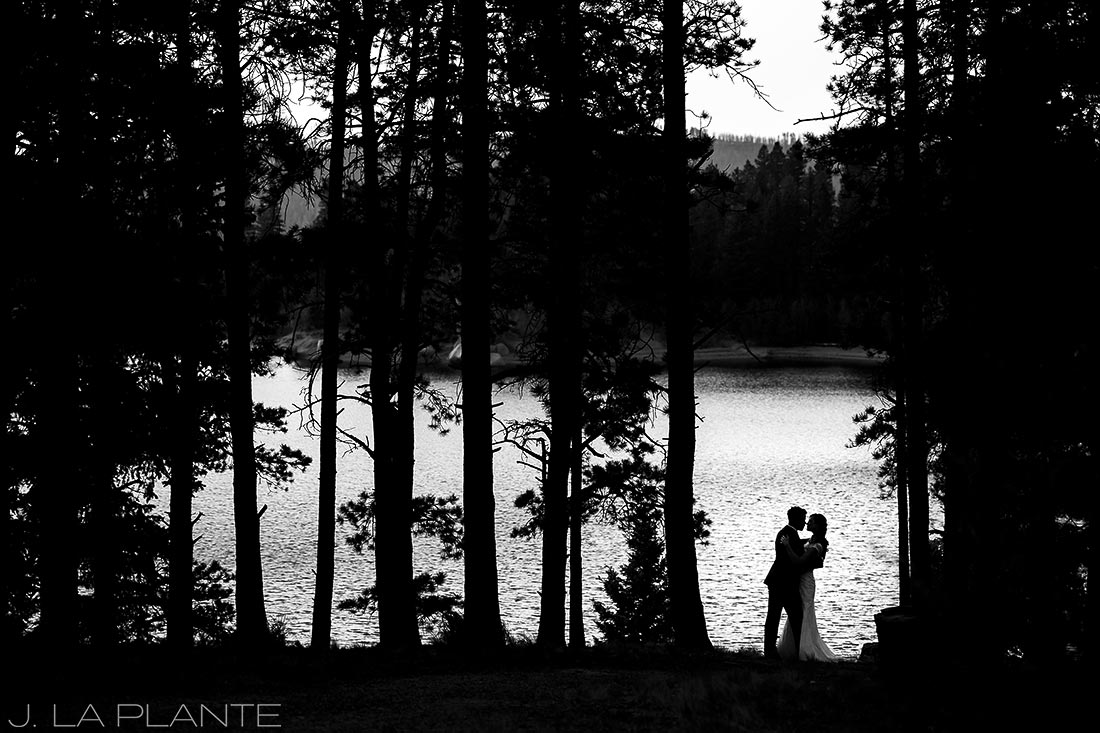 Edgewood Inn Wedding | Colorado Springs Wedding Photographer | Bride and groom at Rampart Reservoir | J La Plante Photo