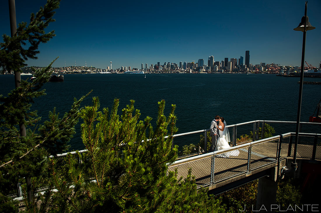 Seattle wedding | Seattle skyline | Seattle destination wedding photographer | J La Plante Photo