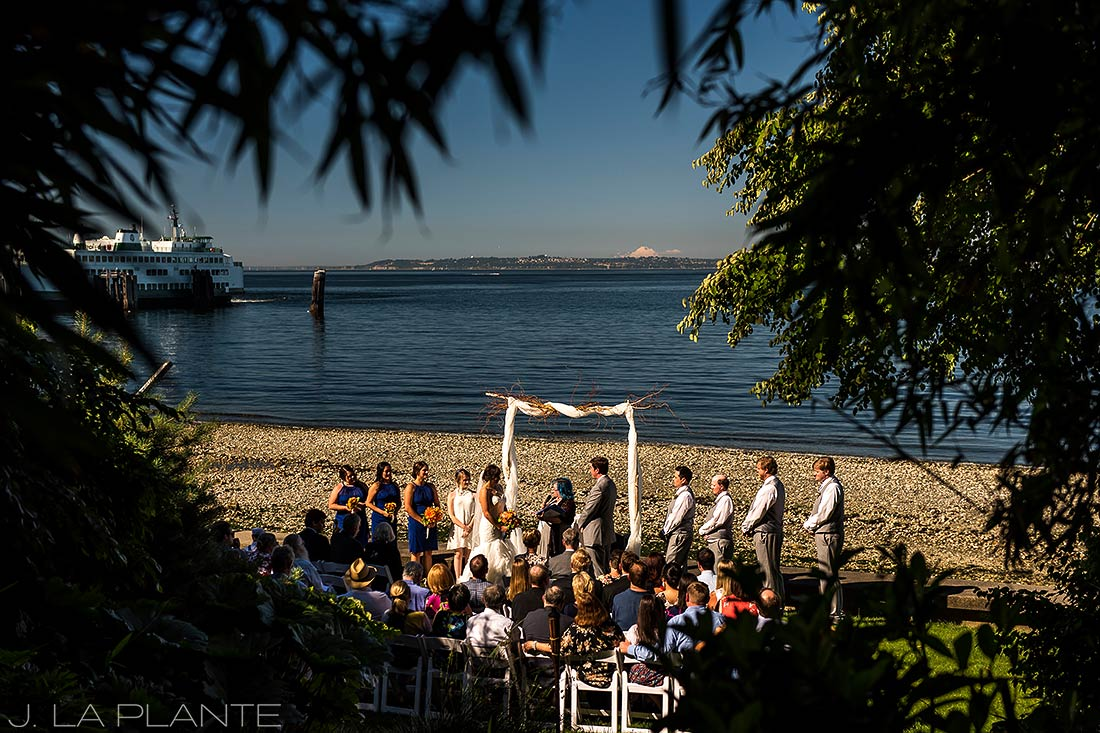Vashon Island Wedding | Wedding ceremony | Seattle destination wedding photographer | J La Plante Photo