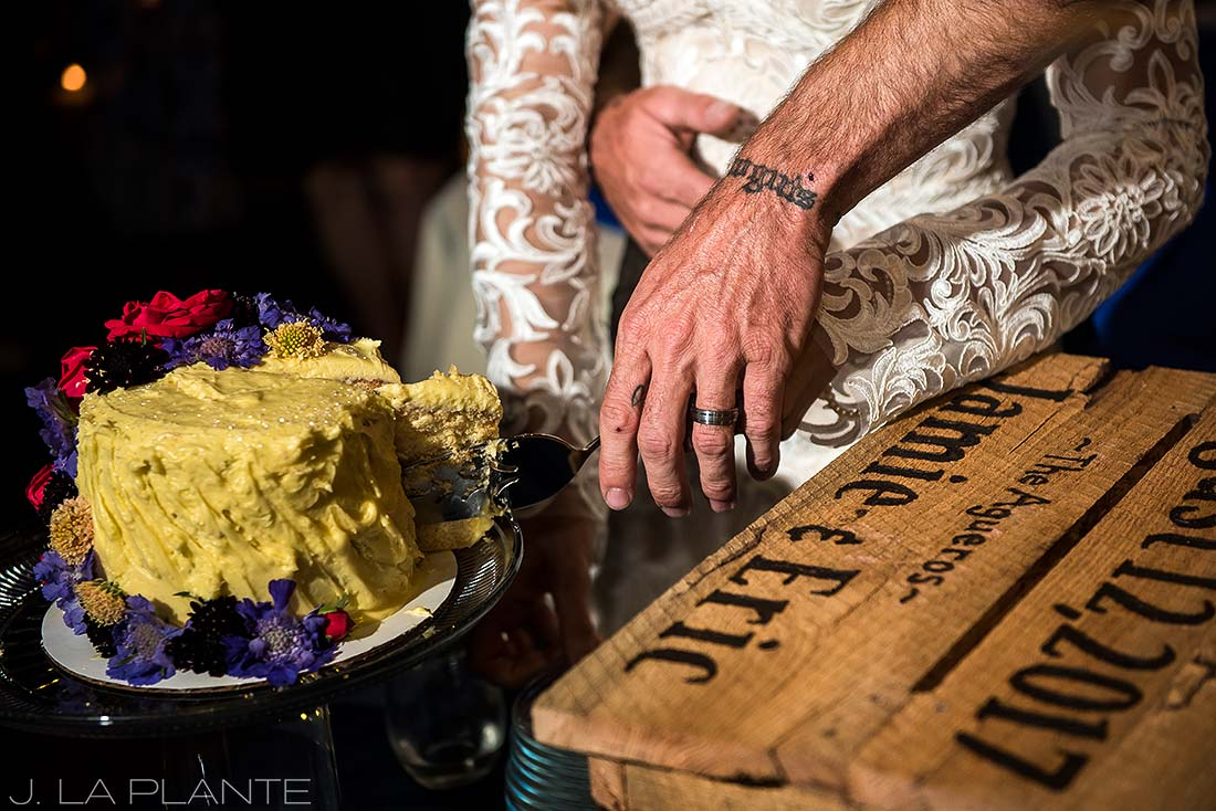 Durango wedding | Cake cutting | Durango wedding photographer | J La Plante Photo