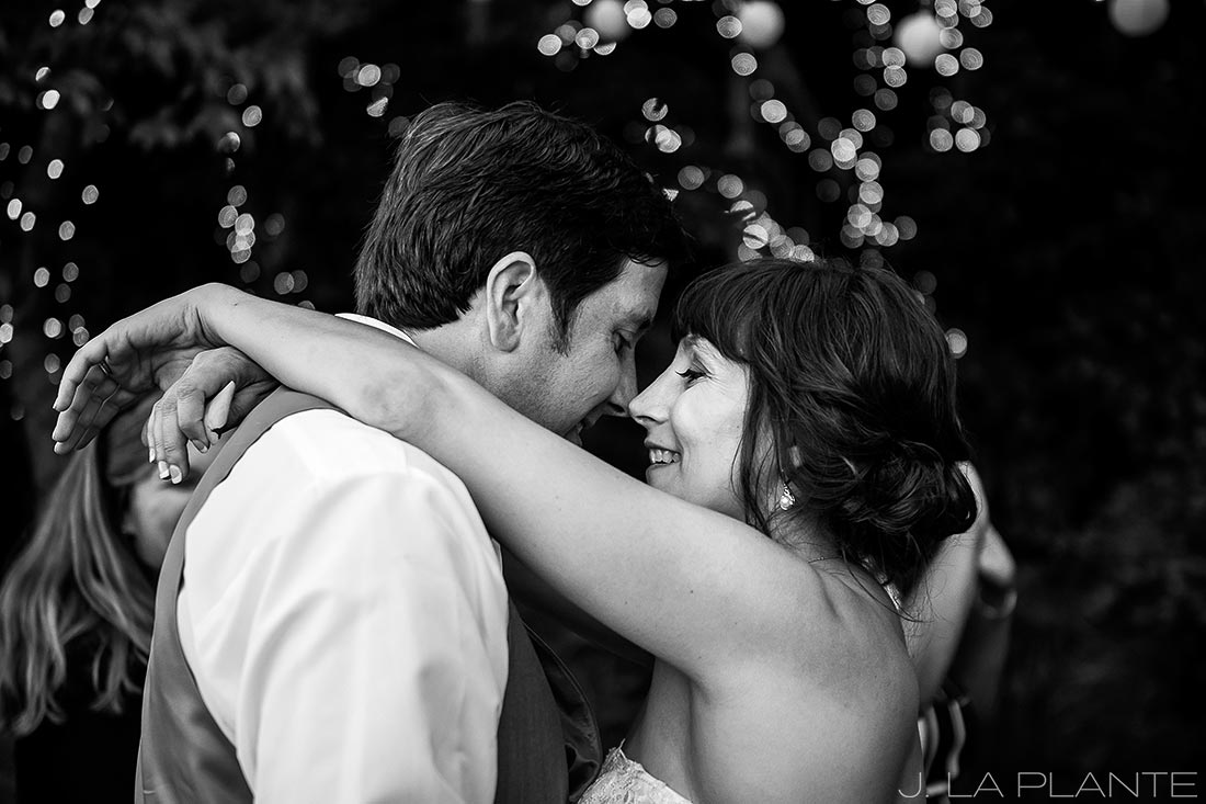 Vashon Island Wedding | First dance | Destination wedding photographer | J La Plante Photo