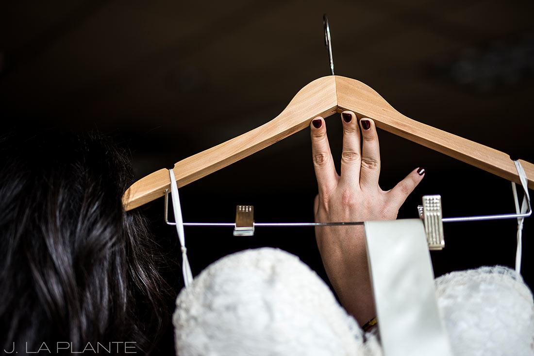 Fall Copper Mountain Wedding | Bride getting ready | Colorado Destination Wedding Photographer | J La Plante Photo
