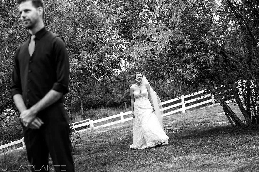 Crooked Willow Farms Wedding | First look | Colorado Wedding Photographer | J La Plante Photo