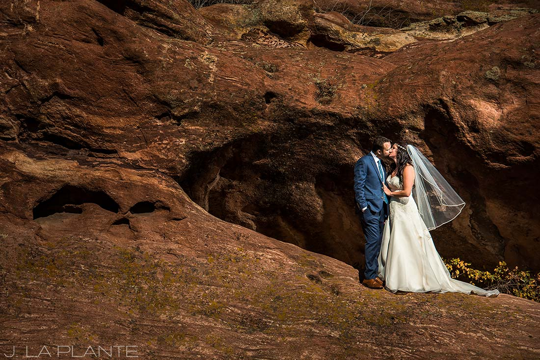 Willow Ridge Manor Wedding | Bride and groom portrait on red rocks | Denver wedding photographer | J La Plante Photo