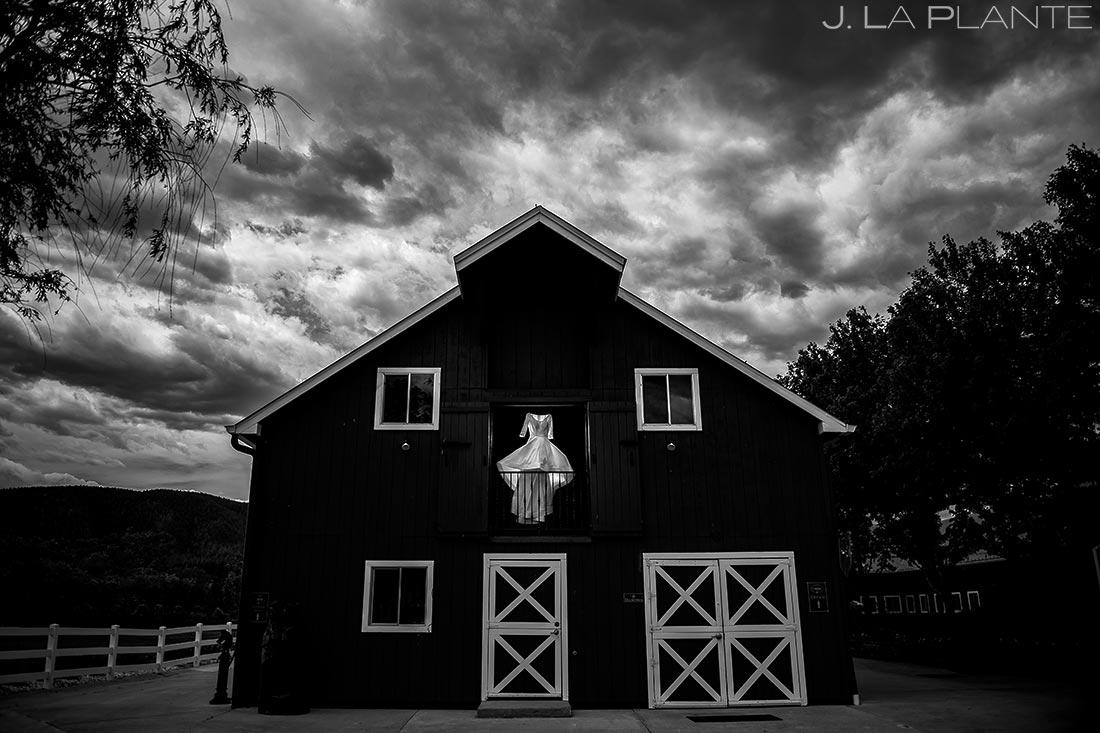 Cool Wedding Dress Photo | Crooked Willow Farms Wedding | Colorado Wedding Photographers | J. La Plante Photo