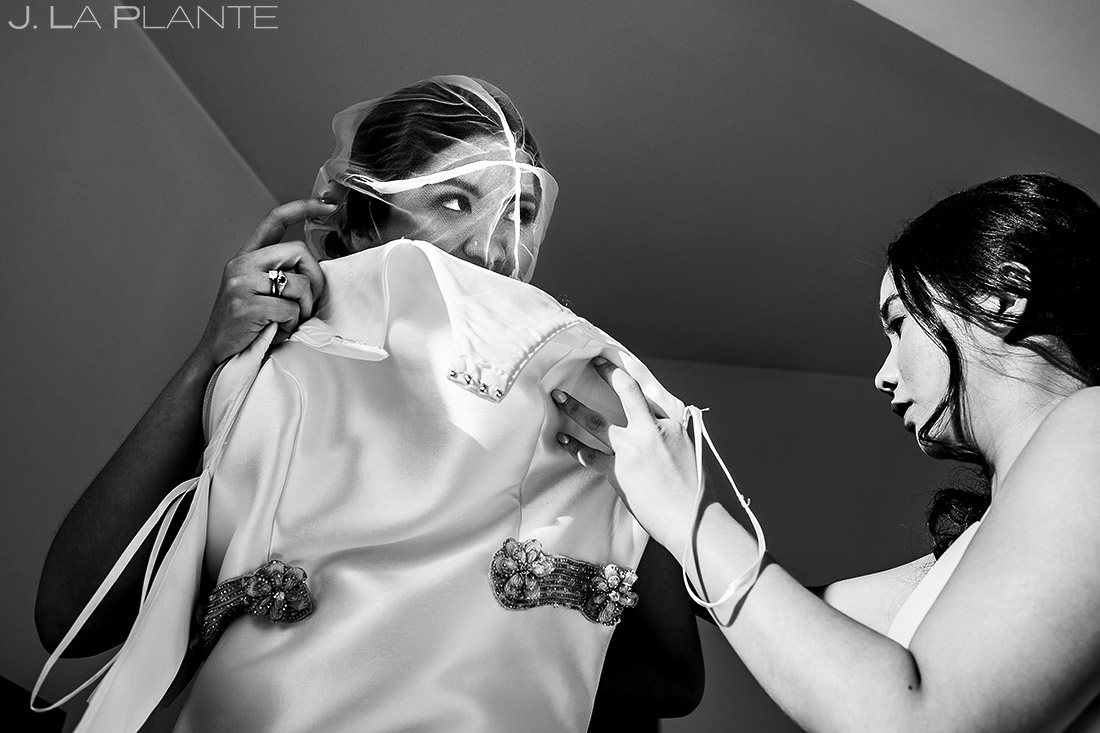 Bride Getting Ready | Rhode Island Wedding | Destination Wedding Photographer | J. La Plante Photo