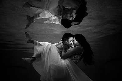 Bride and Groom underwater | St Lucia destination wedding | Best destination wedding photographers | J. La Plante Photo
