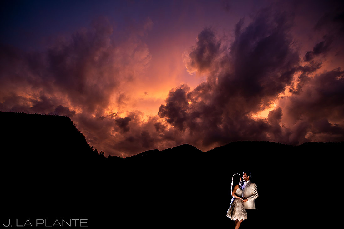 how to choose your wedding venue | Pine Creek Cookhouse wedding bride and groom sunset photo