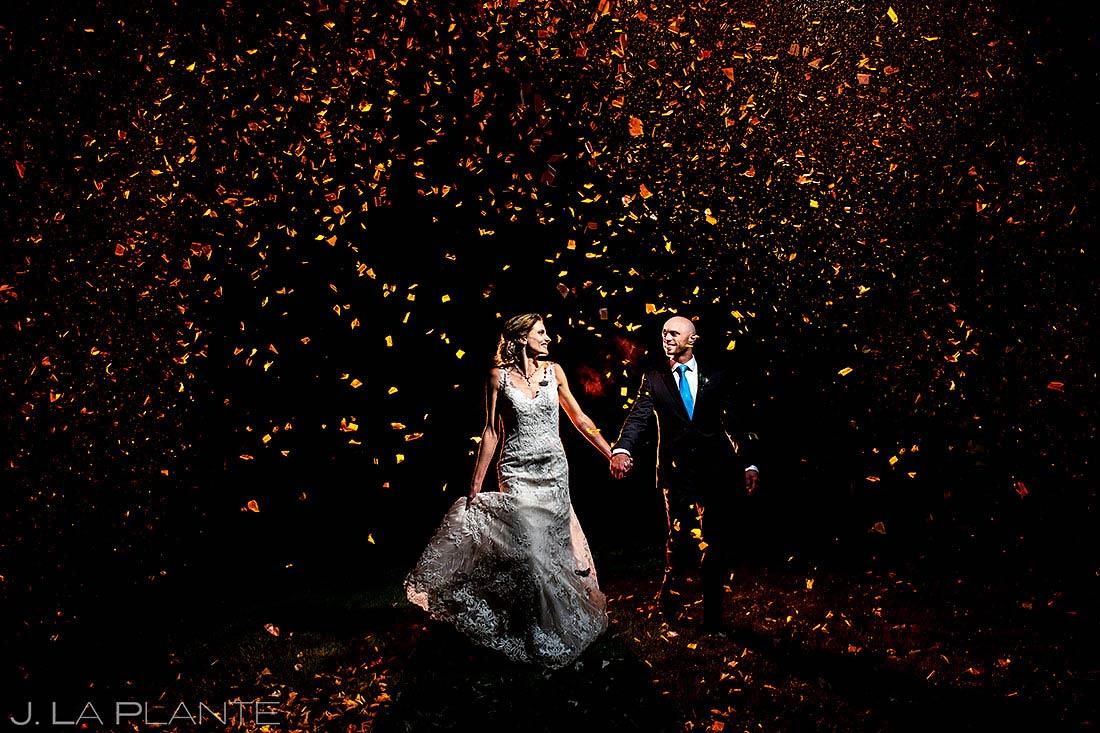 unique wedding send off ideas bride and groom confetti cannon exit